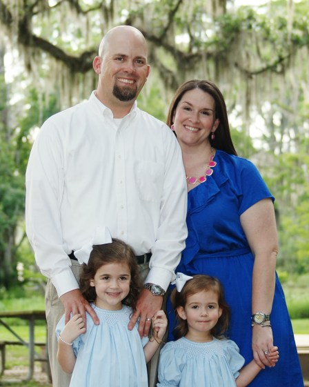 Melissa, her husband and two precious little girls!